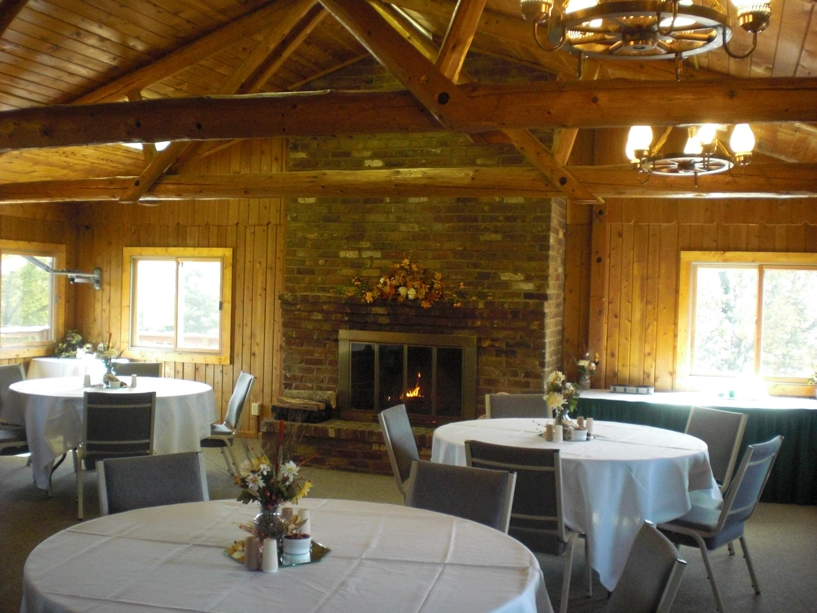 horizons hospitality mountain valley retreat center venue dining room
